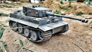 世界規模でSNS障害発生!!! ポーランドが非常事態宣言&日本もサービスエリアに戦車!!??